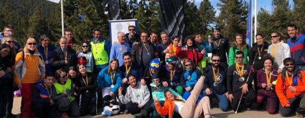 fotografía grupal dels participants del XII Campionat de Catalunya OPEN d'Esquí Alpí 2019